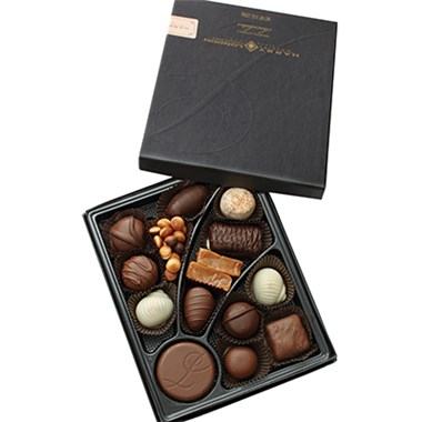 8 oz box of assorted chocolates (BF105-11KM)